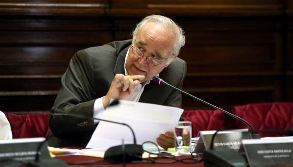 """García Belaunde: procuraduría dio """"golpe adicional"""" a Vizcarra"""