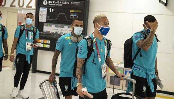 Dani Alves llegó a Tokio para disputar los Juegos Olímpicos con Brasil. (Foto: AFP)