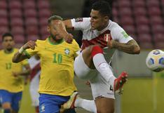 Anderson Santamaría, el defensa que falla pero representa al aplaudido fútbol peruano de salir jugando