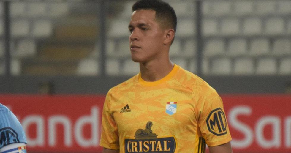 Renato Solís será el encargado de cuidar el arco rimense.