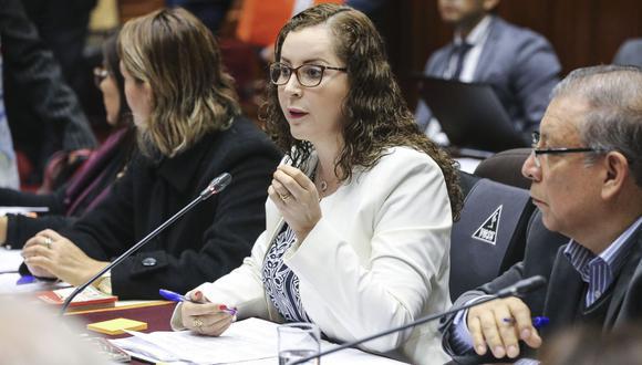 Rosa Bartra volverá a presidir la Comisión de Constitución del Congreso, que evaluará el proyecto de adelanto de elecciones propuesto por Martín Vizcarra. (Foto: Congreso)