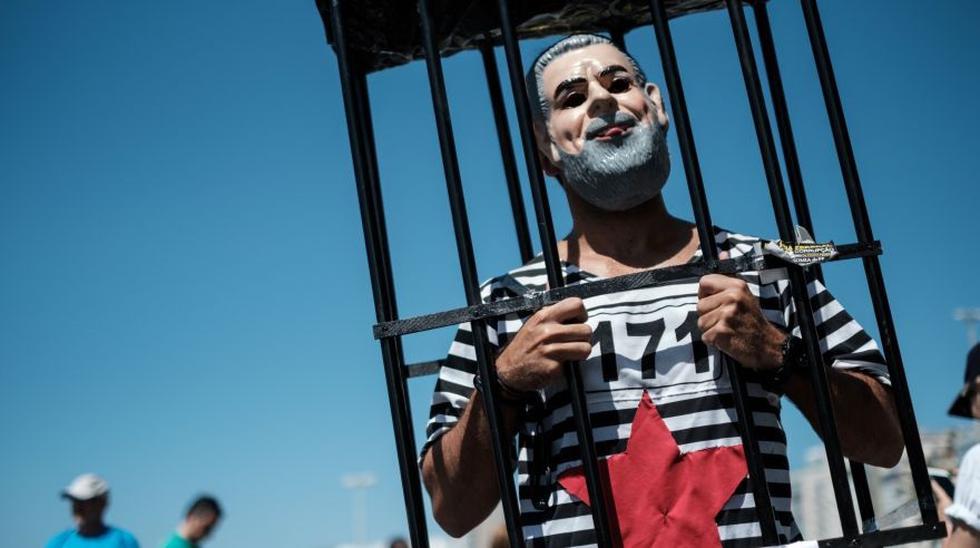 Brasil: Miles marchan contra la corrupción política [FOTOS] - 6