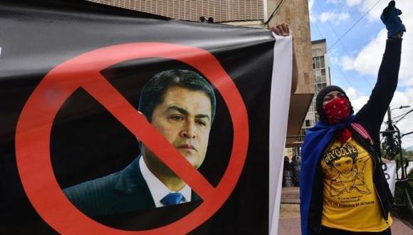 En la capital de Honduras miles de personas exigieron la renuncia de Juan Orlando Hernández (JOH).(Foto: AFP).