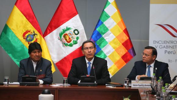 Los presidentes Martín Vizcarra, Evo Morales y el canciller del Perú, Néstor Popolizio, en la inauguración del Gabinete Binacional. (Foto: Andina)