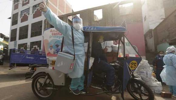 El 'Vacuna móvil' son unidades que recorren diversas zonas para cumplir con el esquema de vacunación a ciudadanos vulnerables. (Foto: Minsa)