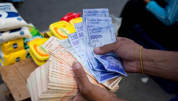 Sepa aquí a cuánto se cotiza el dólar en Venezuela este 9 de abril de 2021. (Foto: AFP)
