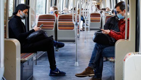 Francia anunció la reapertura a partir del 11 de mayo de todos los comercios del país, excepto los restaurantes y cafés, y el uso obligatorio de mascarillas en los transportes públicos. Foto: AFP / GEOFFROY VAN DER HASSELT
