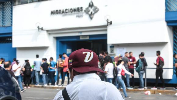 """""""En el 2018, el venezolano promedio perdió nada menos que 10 kilos de peso. En esas circunstancias, ninguna visa o ley migratoria podrá impedir que sigan llegando a nuestro país"""". (GEC)."""