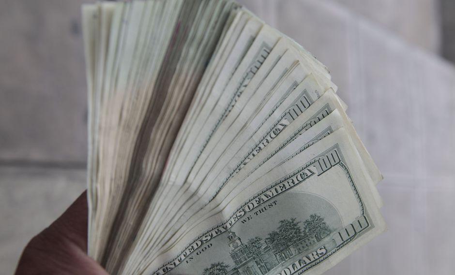 El dólar en el mercado paralelo se cotizó en la jornada previa a 2,486.25 bolívares soberanos. (Foto: GEC)