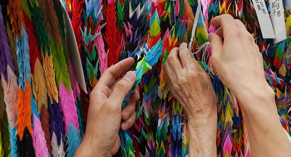 En Japón, existe la tradición de realizar figuras de origami de las aves. Es un acto que rinde homenaje a la memoria de Sadako Sasaki, niña que falleció a causa de la radiación nuclear. (Foto: AP)
