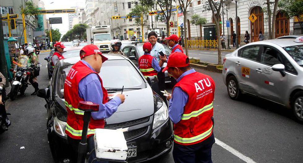 Esta mañana, agentes de la Autoridad de Transporte Urbano para Lima y Callao (ATU) intervinieron 14 vehículos que realizaban servicio de taxi colectivo en el centro de Lima (Foto: ATU)