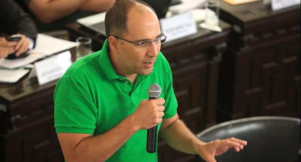"""Pablo Secada fue calificado de """"patán y déspota"""" por políticos"""