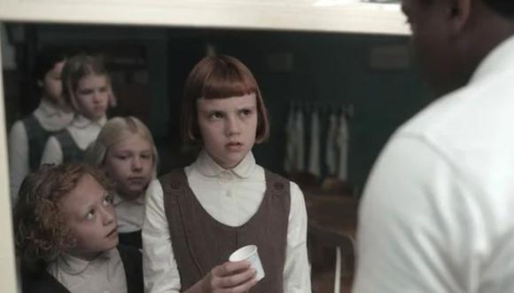 """""""Gambito de dama"""" cuenta la historia de Beth Harmon, una niña huérfana que se convierte en una gran ajedrecista a la par que lucha contra las adicciones (Foto: Netflix)"""