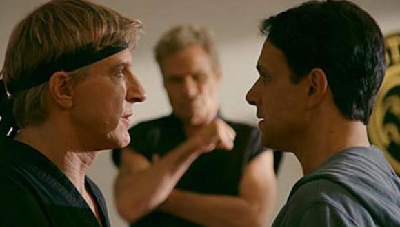 """Daniel LaRusso y Johnny Lawrence se volverán a ver la cara en la tercera temporada de la serie """"Cobra Kai"""", que se estrena en enero de 2021 (Foto: Netflix)"""