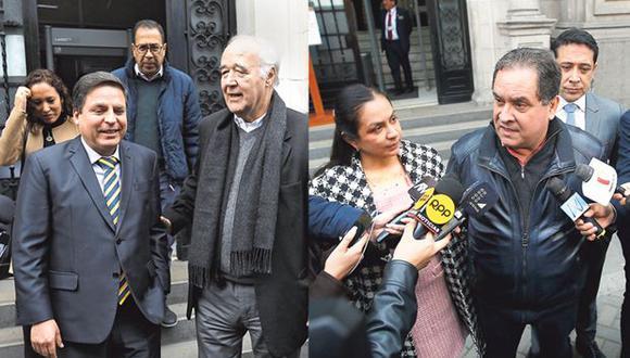 Los voceros de las bancadas de Acción Popular (izquierda) y Alianza para el Progreso (derecha) acudieron ayer a la PCM para reunirse con el primer ministro Salvador del Solar.