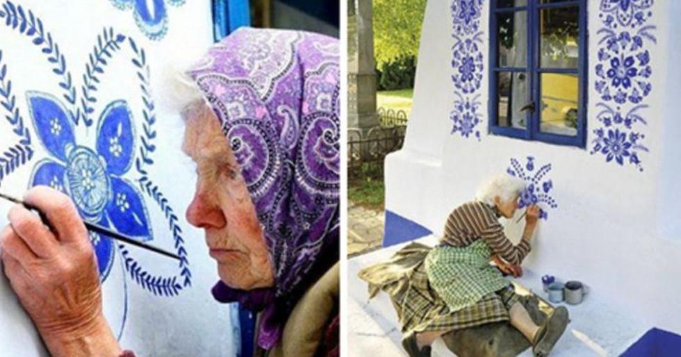 La mujer haciendo uso de sus cualidades artísticas, toma su pintura azul vibrante y una pequeña brocha para ponerse a crear hermosos patrones de flores intrincadas. (Foto: Facebook)