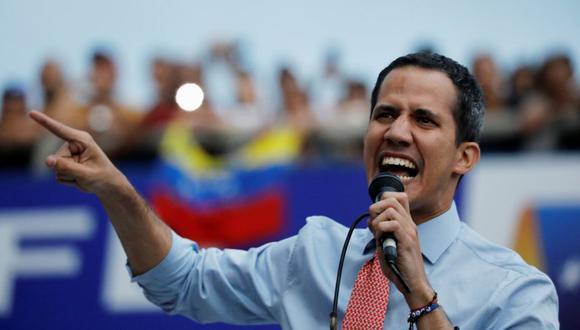 "El presidente encargado de Venezuela, Juan Guaidó, tachó de ""farsa"" el anuncio del contralor. (Foto: Reuters)"