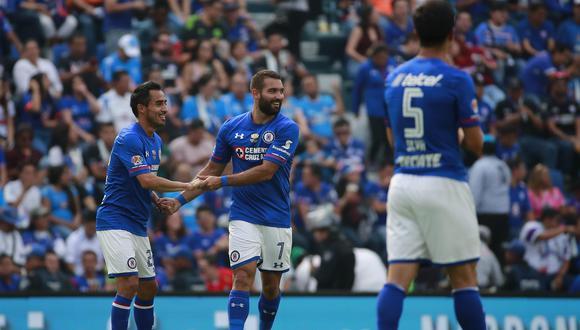 Cruz Azul se impuso en casa ante Monarcas Morelia con anotaciones de Cauteruccio y Mena por la fecha 16 de la Liga MX. (Foto: EFE)