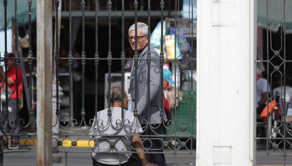 Jorge Castro evitó responder a la prensa por denuncia en su contra. (Foto: Anthony Niño de Guzmán)