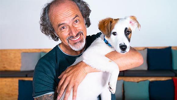 Carlos 'Cachín' Alcántara promueve, junto a Lila, la oportunidad de vivir una experiencia en vivo y en directo junto a él y la posibilidad de ayudar a miles de perros sin familia.