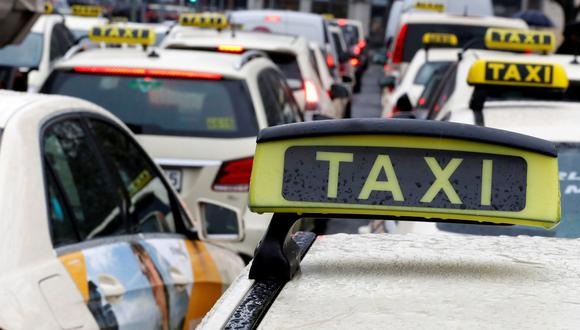 El esposo de la jueza a cargo de otorgar el permiso a Uber tenía una relación financiera con Uber, según los taxistas. (Foto: Reuters)