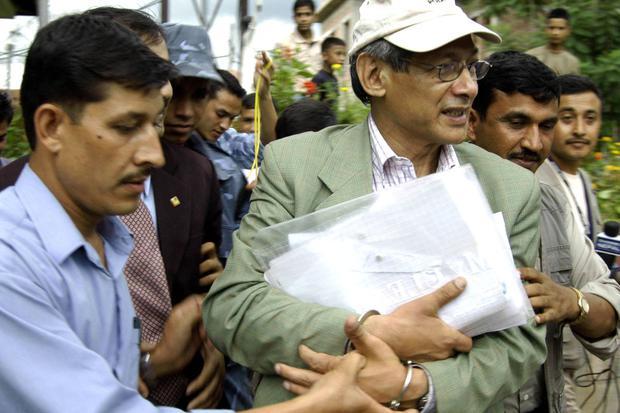 El Tribunal de Apelación de Nepal Lalitpur confirmó el veredicto del tribunal inferior sobre el caso de homicidio que condenó al asesino en serie Sobhraj a 20 años en prisión, dijeron las autoridades. (Foto: Sagar Shrestha / AFP)