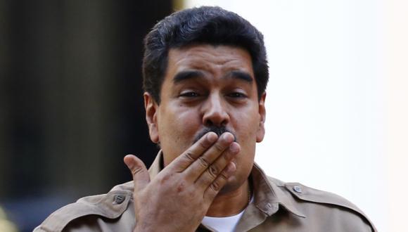 Maduro cumple un año en el poder y hace promesa de felicidad