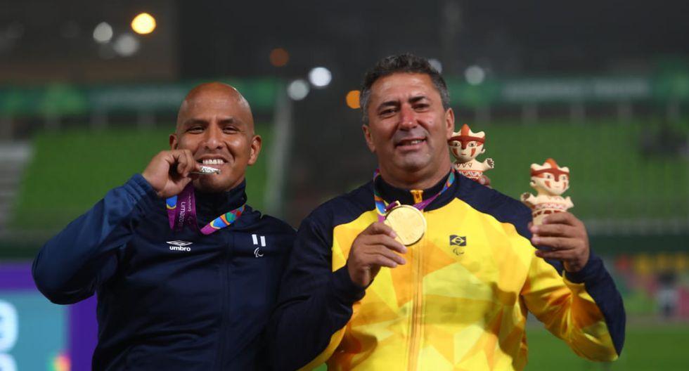 Carlos Felipa logró la medalla de plata en lanzamiento de bala en los Parapanamericanos en la que compitió con el brasileño De Souza que tiene atrofia el la rodilla pero no sufre amputación. (Foto: Alessandro Currarino)