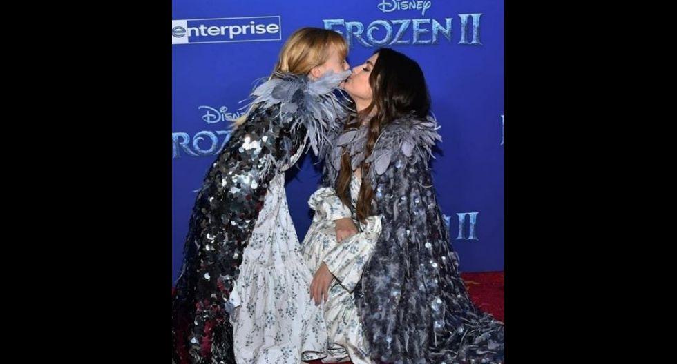 Ambas robaron miradas por su presentación muy dulce y tierna. Las hermanas se demostraban mucho cariño en la alfombra roja de 'Frozen 2'. (Foto: Instagram/@selenagomez)