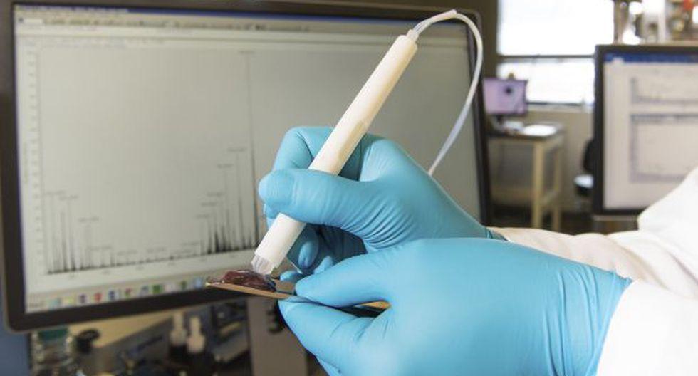 El MasSpec Pen puede analizar de forma no destructiva muestras de tejido humano para identificar el cáncer. (Foto: AP)