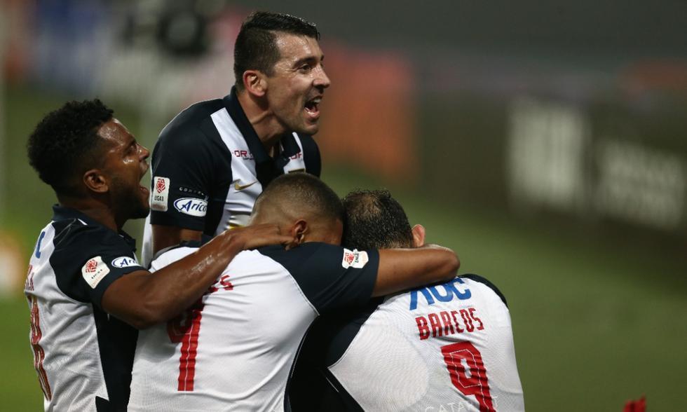 Universitario y Alianza Lima chocaron en el estadio Nacional por el clásico de la jornada 7 de la Fase 2 | Foto: GEC