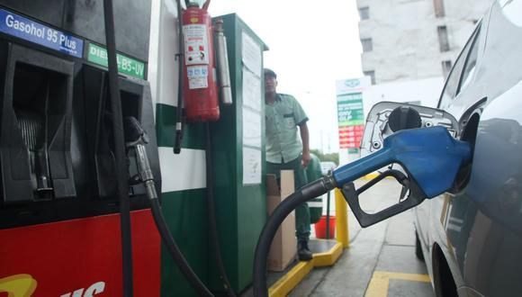 """""""El precio al que Petroperú vende a las estaciones afiliadas se va a mantener para los transportistas que compren en dichas estaciones"""", dijo Minem. (Foto: GEC)"""
