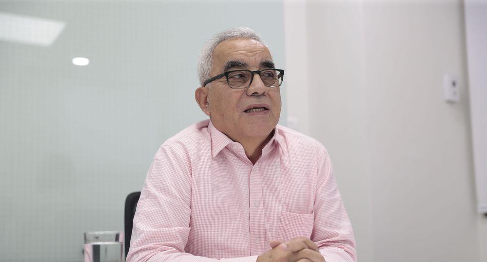 Rolando Arellano Cueva lleva algunas décadas estudiando –a veces prediciendo– cambios en el mercado. (Foto: Hugo Pérez/GEC)