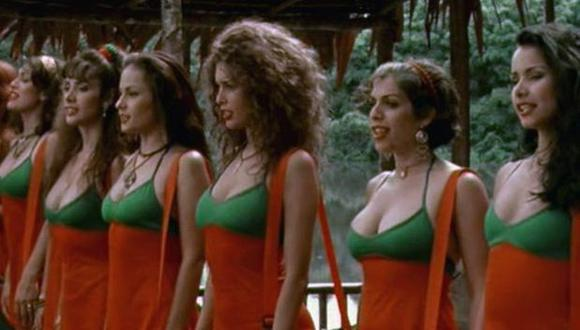 """Angie Cepeda, interpretó a Olga Arellano, 'La Colombiana' en la película de Pancho Lombardi """"Pantaleón y las visitadoras"""" (1999). (Foto: América Producciones / Difusión)"""