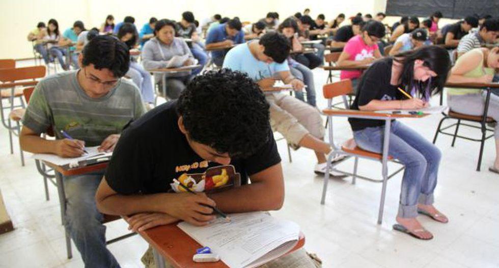 CURRÍCULA. El 25% opina que los contenidos curriculares en las instituciones de educación superior están desactualizados. (Foto: Archivo El Comercio)