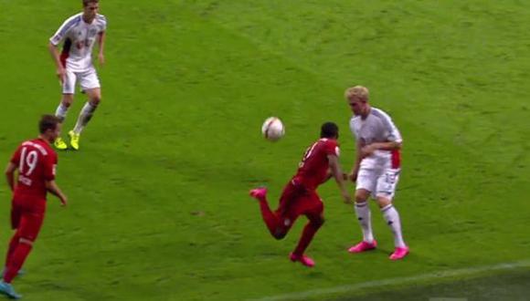 Bayern Münich destaca las mejores jugadas de Douglas Costa