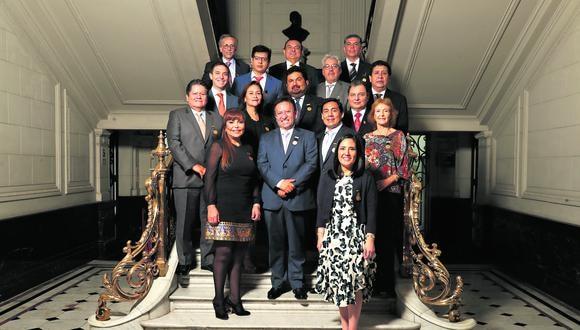 La ceremonia de reconocimiento de los líderes se llevó a cabo en el hall principal de El Comercio.  (Foto: Alessandro Currarino/El Comercio)
