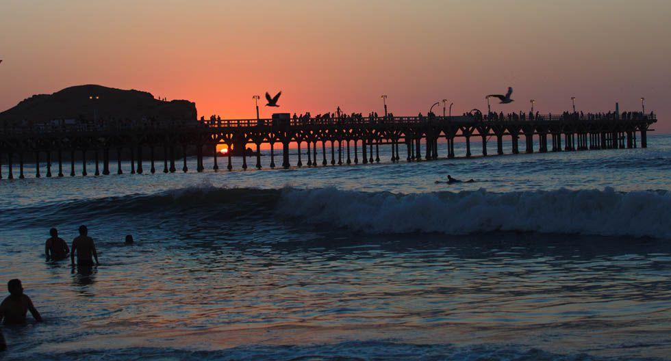 En total hay cinco playas en Cerro Azul, cuyas olas son propicias para practicar surf.(Foto: Archivo El Comercio)