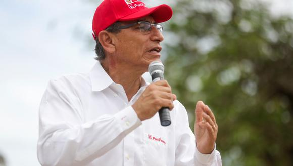 El presidente Martín Vizcarra supervisa una obra en la región Tumbes, el pasado 28 de enero. (Foto: Presidencia de la República).