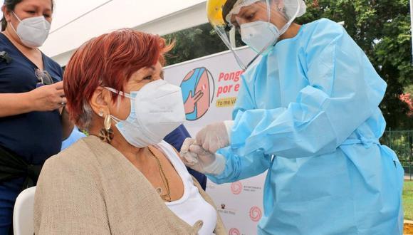 Los arequipeños esperan que muy pronto se reinicie la inoculación en las diferentes provincias. (Foto: Minsa)