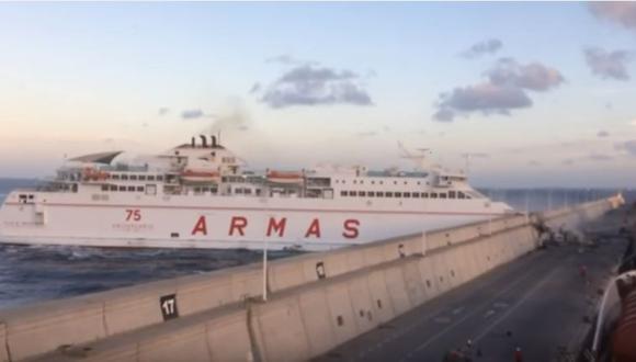 España: Choque de ferry deja 13 heridos [VIDEO]