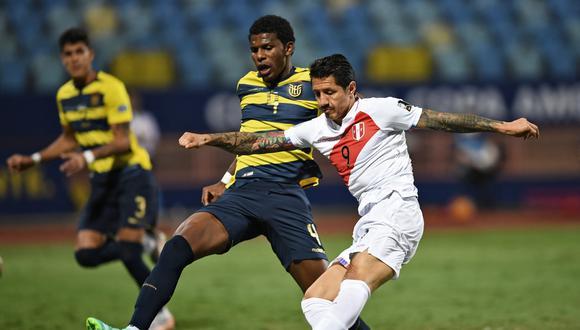Con gol de Lapadula y de Carrillo, Perú empata 2-2 ante Ecuador en la cuarta fecha de la Copa América.  (Foto: AFP)