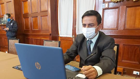 Congresista César Gonzales acaba de renunciar a Somos Perú. El legislador preside la Comisión de Ética Parlamentaria (Foto: Congreso)