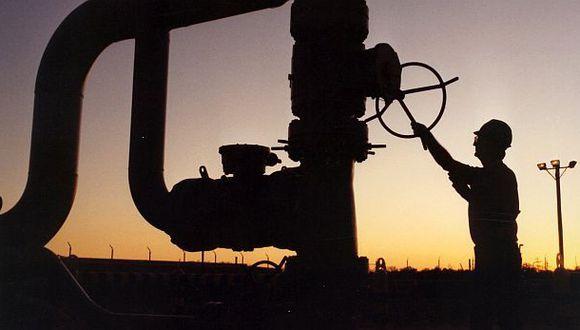 La OPEP predice para 2017 el fin del exceso de crudo almacenado