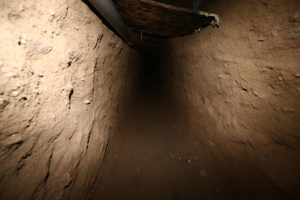 La Policía Nacional del Perú señaló que el túnel construido cerca del penal Miguel Castro Castro iba a permitir, según las primeras investigaciones, la fuga de presos extranjeros por tráfico ilícito de drogas. (Foto: Jesus Saucedo / @photo.gec)