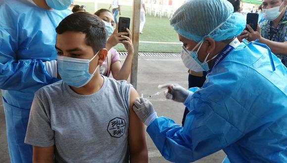 El Minsa detalló que el 30 de agosto es feriado por el Día de las Enfermeros y que se priorizará la vacunación a ese grupo etario. (Foto: Diresa/referencial)