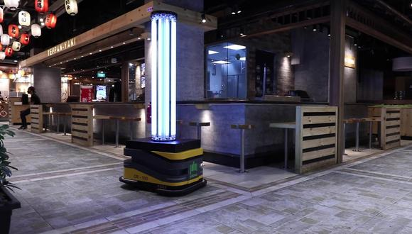 Sunburst UV Bot está programado para apagar sus luces UV si detecta un humano en las proximidades cercanas. (Foto: captura de YouTube)