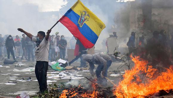El presidente ecuatoriano Lenín Moreno tuvo que retroceder en su propósito de eliminar los subsidios a los combustibles. (AFP / Martin BERNETTI).