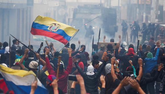 Aunque el presidente Moreno ha ofrecido un diálogo directo, los manifestantes exigen que primero se derogue el decreto que motivó las protestas desde el jueves 3. Foto: Reuters