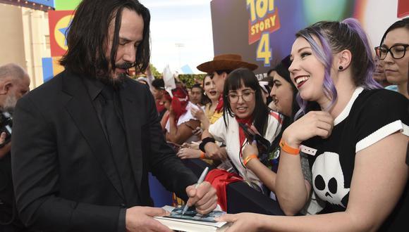 La creciente fama de Keanu Reeves ha reavivado el interés en su vida personal. Fuente: AP
